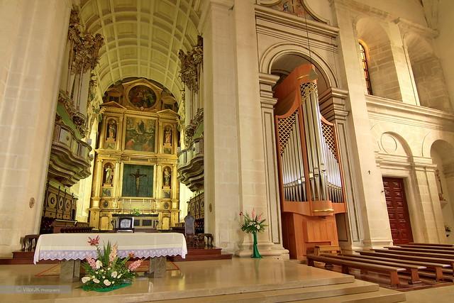 Interior da s catedral leiria portugal flickr for Catedral de durham interior