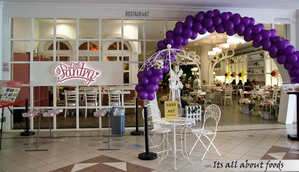 little-pantry-ioi-mall