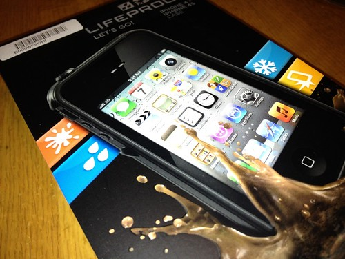 Pic2-LIFEPROOF_Box