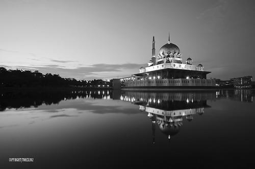 Masjid Putra, Putrajaya.