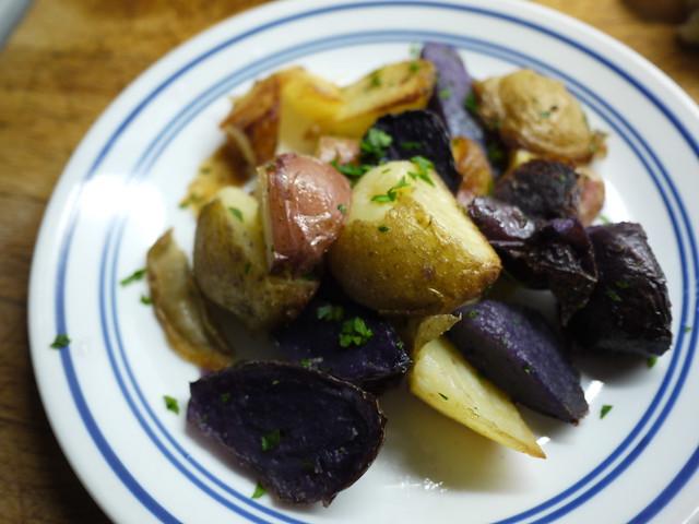 白、紅藍三色鵝油薯條