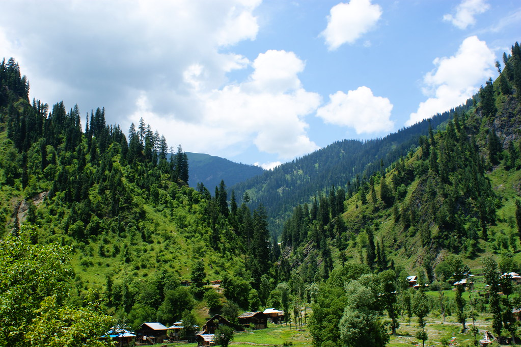 "MJC Summer 2012 Excursion to Neelum Valley with the great ""LIBRA"" and Co - 7608991274 f4bc60a210 b"