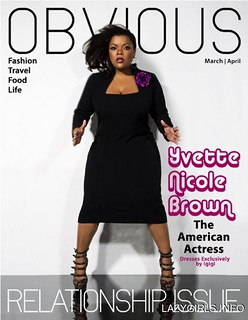 yvette nicole brown in a black dress