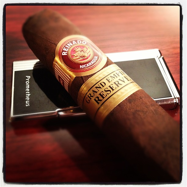 Week In Smoke - I don't think I've ever had anything from @ReinadoCigars. I've been looking forward to this #IPCPR sample.