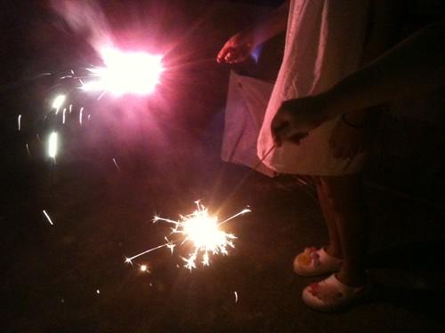 線香花火は失敗しちゃったけど、家族の絆を感じられた良い花火でした。
