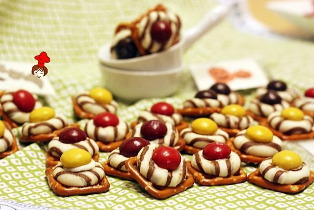 紐扣巧克力扭結餅 M&M with pretzel 6