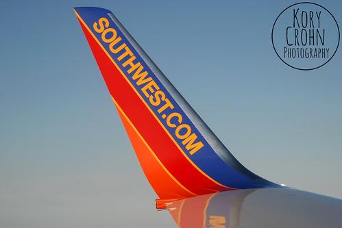Southwest 737-800 N8313F