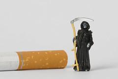 Zigarette mit Sensenmann