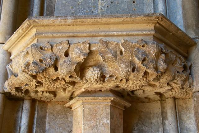 Abbatiale de Saint-Seine-l'Abbaye / Porche d'entrée