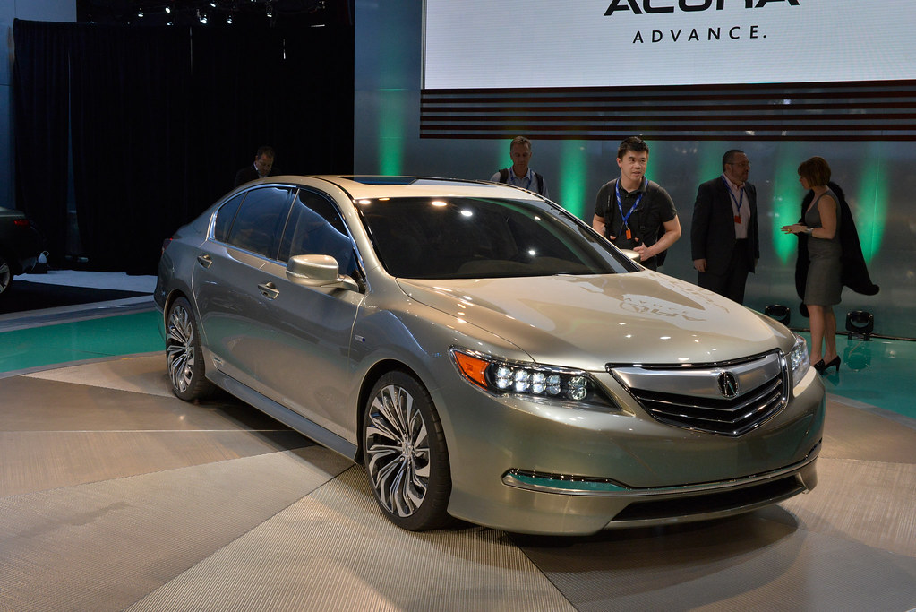 classic cars acura introduced a new flagship sedan in 2013 rlx. Black Bedroom Furniture Sets. Home Design Ideas