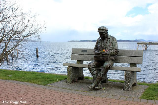 Sidney Statue