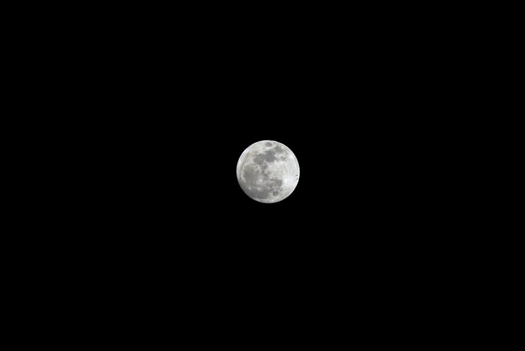 [K10D] 我也來...傳說中的「超級月亮」 20120505 [一張流]