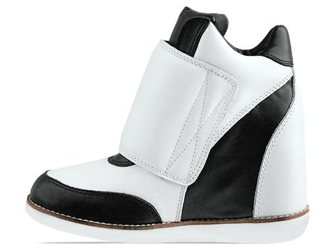 Jeffrey-Campbell-shoes-Teramo-(Black-Ivory)-010603
