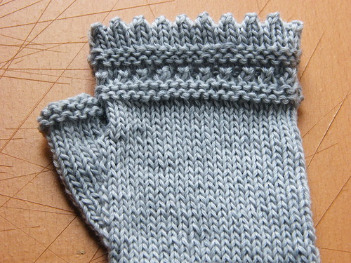 Reading Mitts - top edge