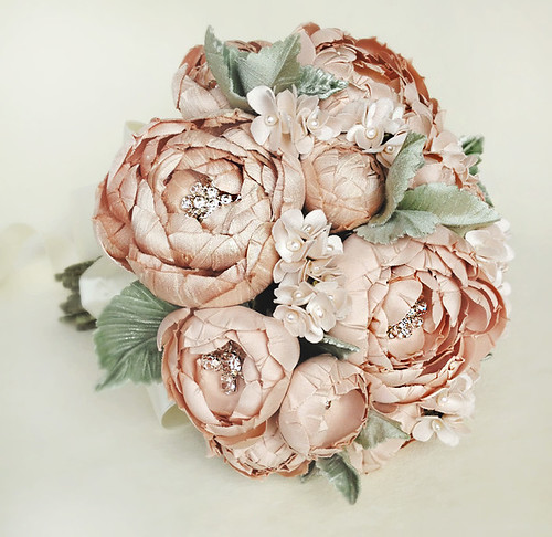 bouquetallblushleafweb