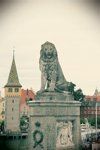 Another view of the Lindau lion and Lindau.