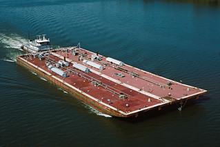 87j083: Ben McCool upbound with 2 tank barges on Ohio River at Matthew E. Welsh Bridge