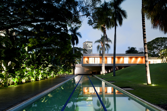 Casa Grecia, architecture: Isay Weinfeld, photo: Fernando Guerra