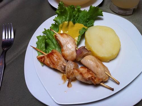 Lima (Perú) | Restaurante El Embrujo | Brochetas de pollo