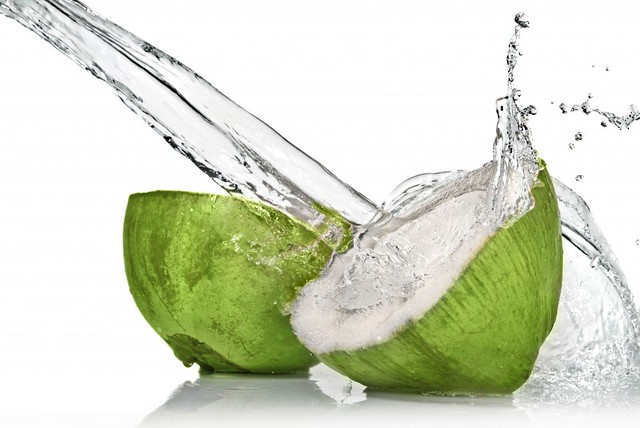 fresh-coconut-water-1024x685