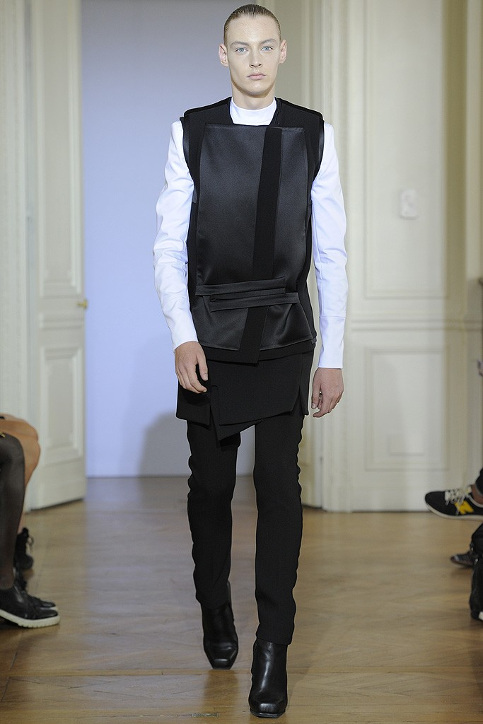 Roberto Sipos3001_FW12 Paris Rad Hourani Haute Couture(WWD.com via Flashbang@TFS)