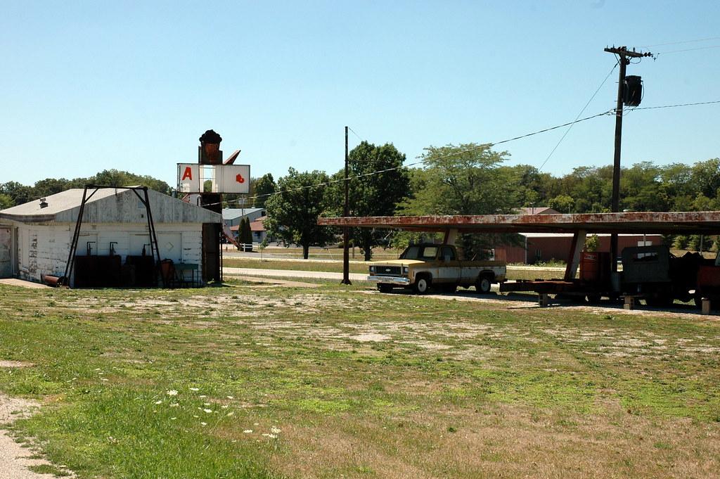 Oasis Drive In, Lexington, IL