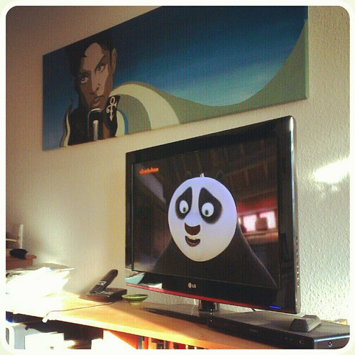 Nov 4: TV watching Kung Fu Panda #fmsphotoaday #tv