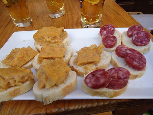 Logroño | Bar La Canilla | Aperitivo tortilla y longaniza