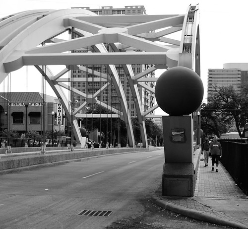 Montrose Boulevard Through Arch Bridge over US 59, Houston, Texas 1211051425BW