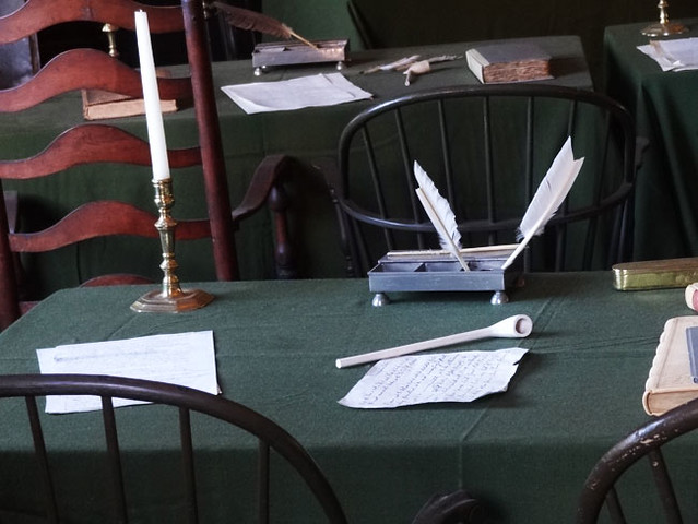 independence-hall-table