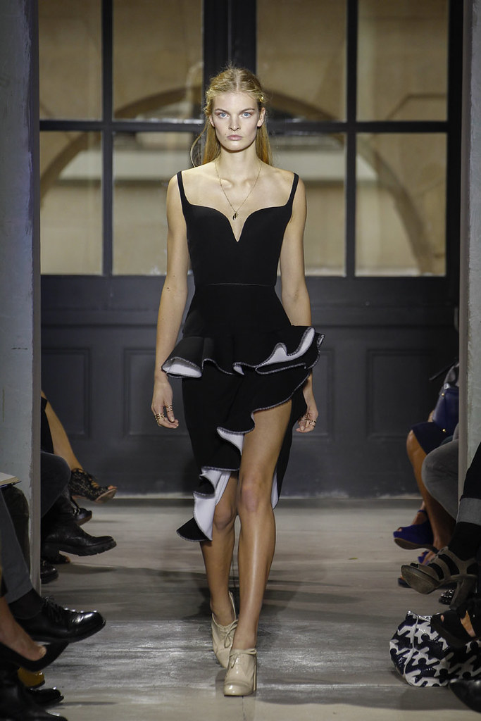 balenciaga-ss13-womenswear-02
