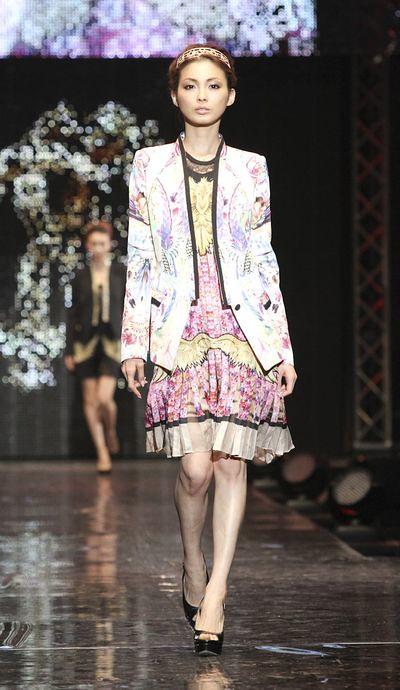 2 - Moe Oshikiri