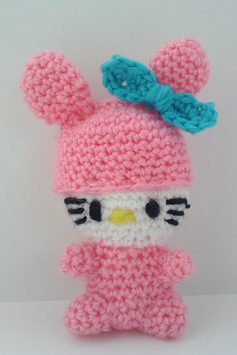 Hello kitty crochet doll