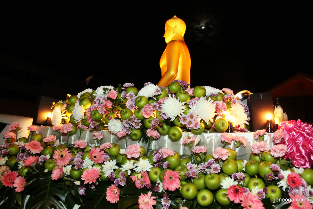 Apple Chariot for Buddha
