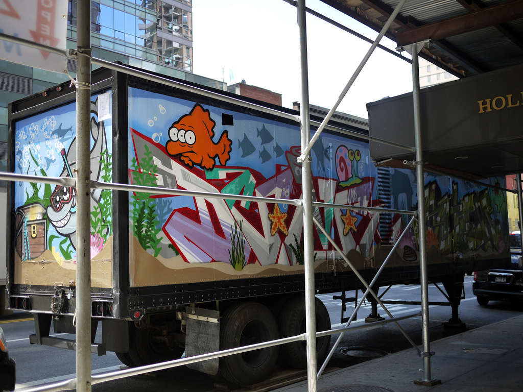 Nyc fish tank aquarium tractor trailer truck graffiti for Fish tank trailer