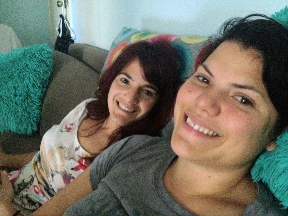 041912_sisters