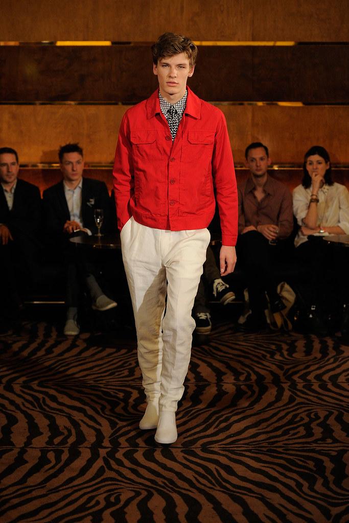 SS13 London Joseph Abboud012_Tomek Szalanski(fashionising.com)