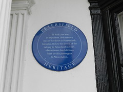 Photo of Red Lion, Petersfield blue plaque