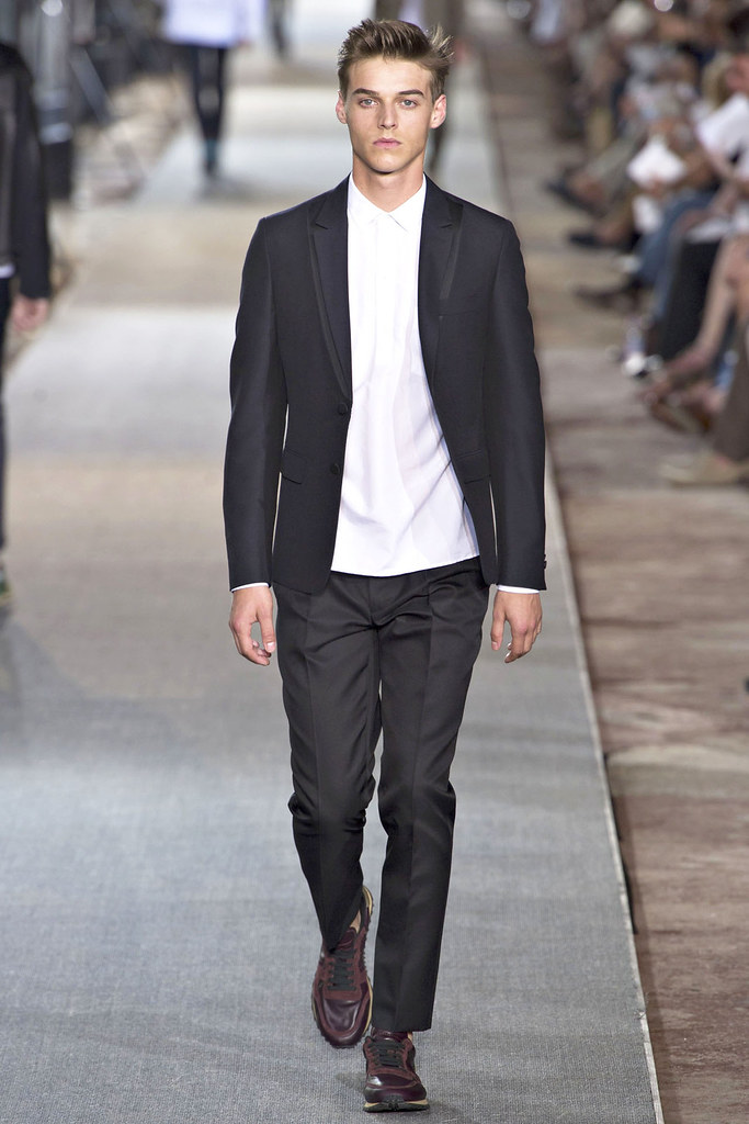 Robbie Wadge3603_SS13 Pitti Uomo Valentino(VOGUE)