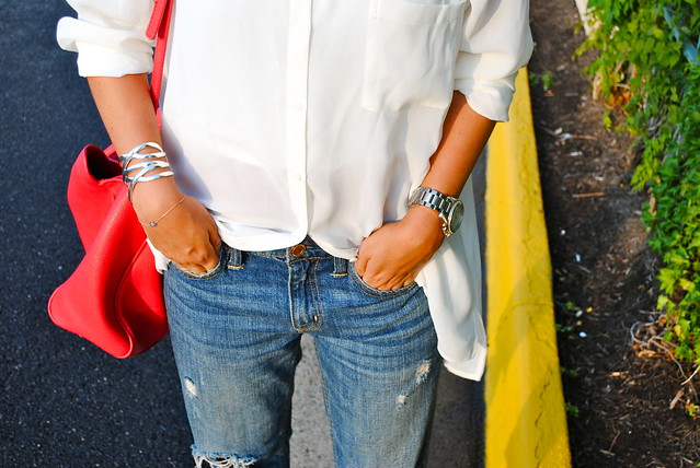 gap boyfriend jeans white blouse