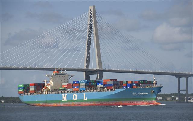 'MOL Integrity' -- Charleston (SC) Harbor July 2012