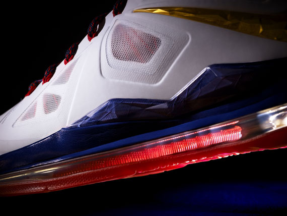 nike-lebron-x-officially-unveiled-4