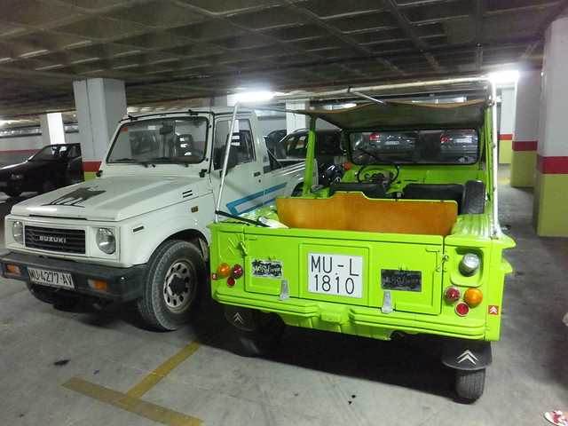 Citroën Méhari & Suzuki Samurai - disappearing species | Flickr ...