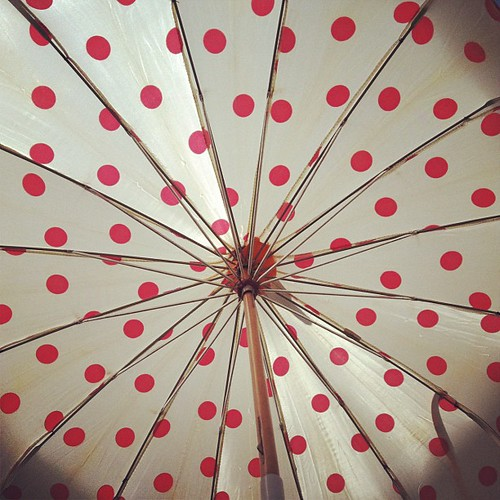 Vintage parasol from @salvagelife !