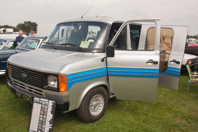 1981 ford transit 1 6 clubmobil minibus van mk2 flickr. Black Bedroom Furniture Sets. Home Design Ideas
