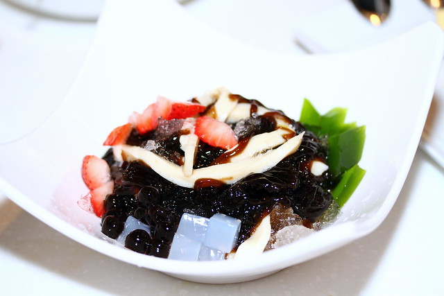 C-Jade HK Café IN: Grass Jelly with Beancurd (豆腐凉粉)