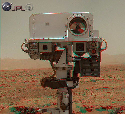 Curiosity sol 84 - 85 MAHLI  selfportrait anaglyph