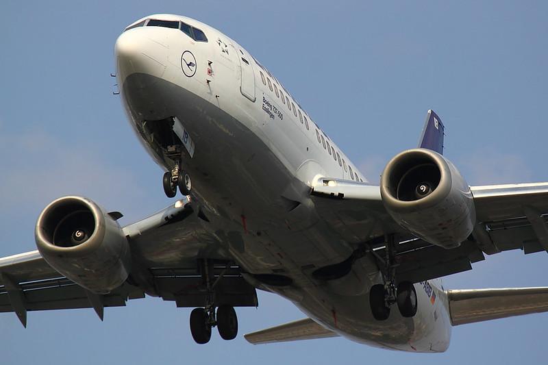 Lufthansa - B735 - D-ABIB (1)