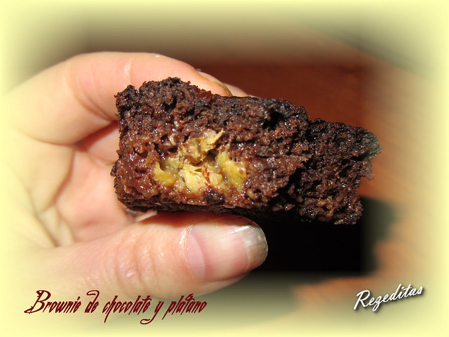 BROWNIE DE CHOCOLATE Y PLATANO