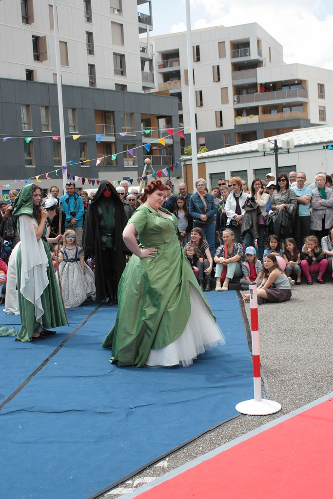 Lady Tremaine, robe de mariée alternative grande taille